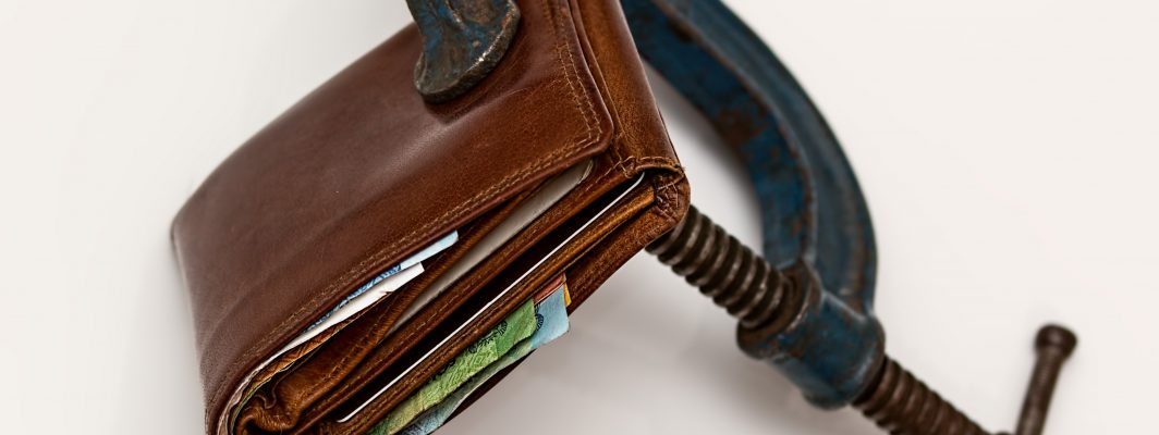 c-clamp-cash-close-up-46242